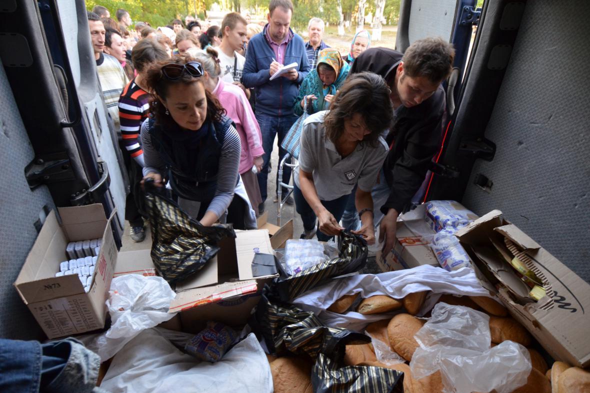 Člověk v tísni pomáhal na Ukrajině