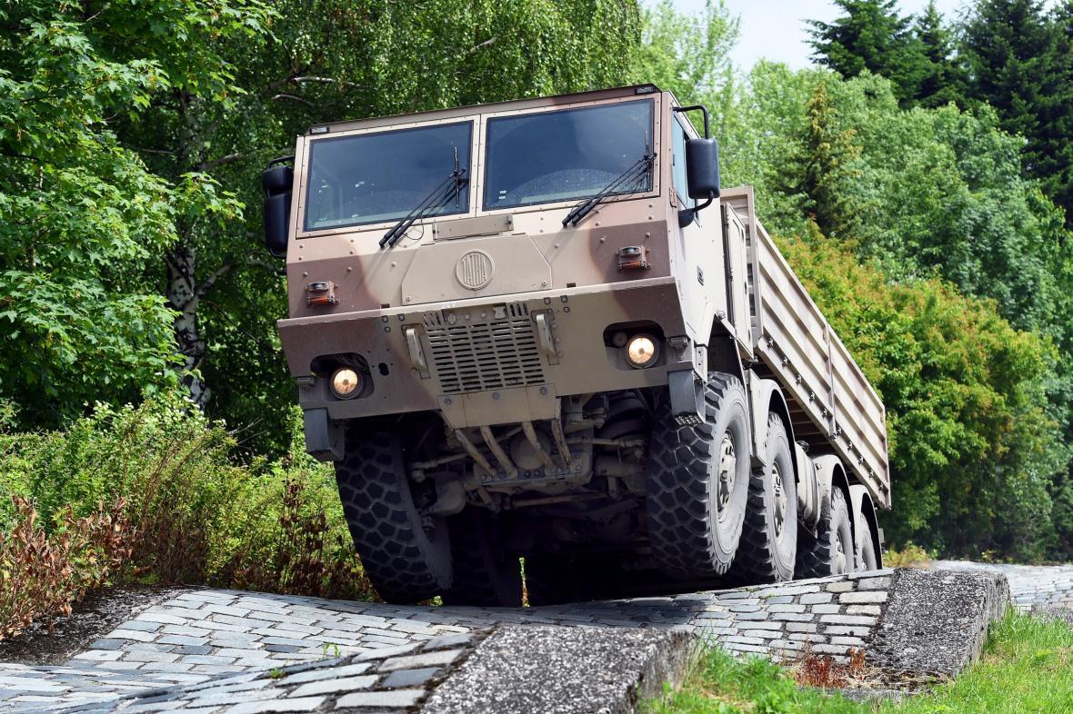 Armádní vůz Tatra