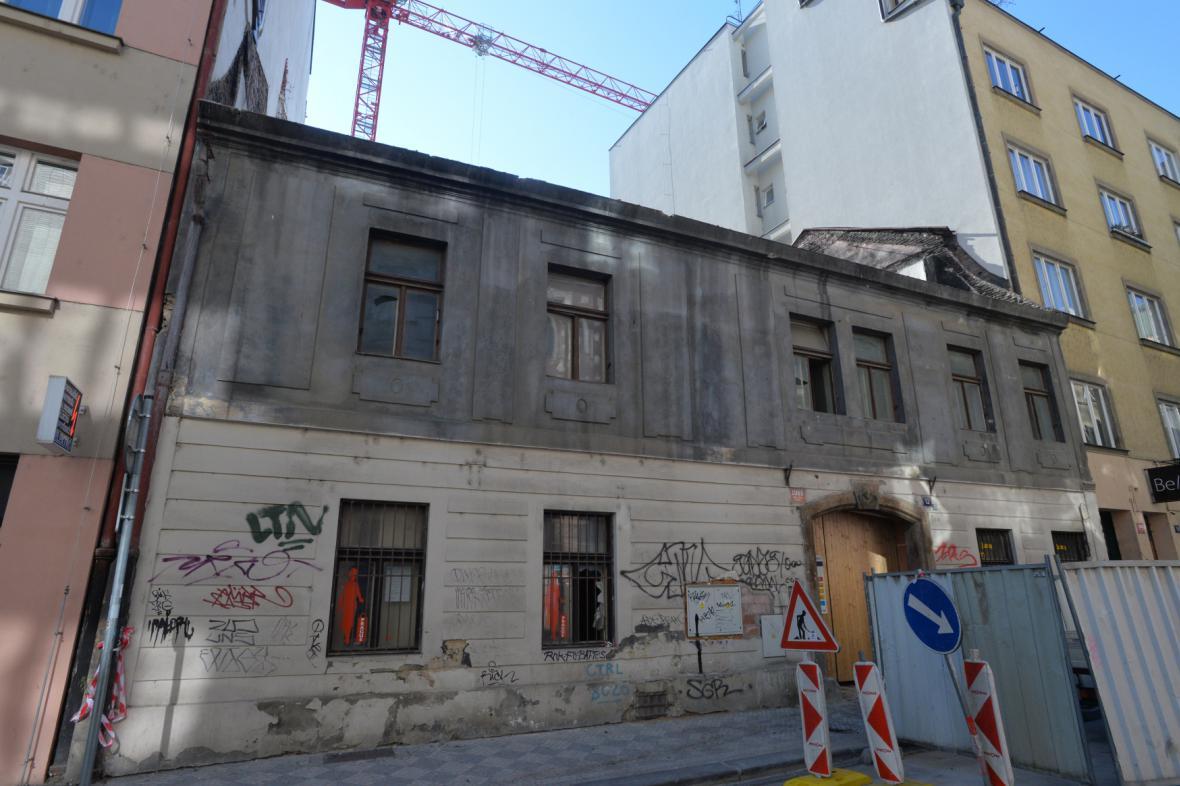 Chátrající dům v Soukenické ulici