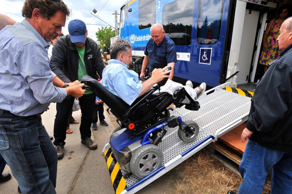 Uzpůsobení vlaků pro přepravu vozíčkářů