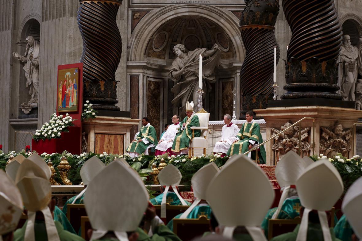 Papež František na biskupské synodě o manželství a rodině