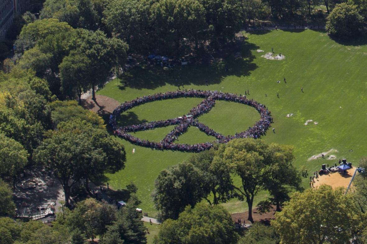 Živý symbol míru v newyorském Central Parku