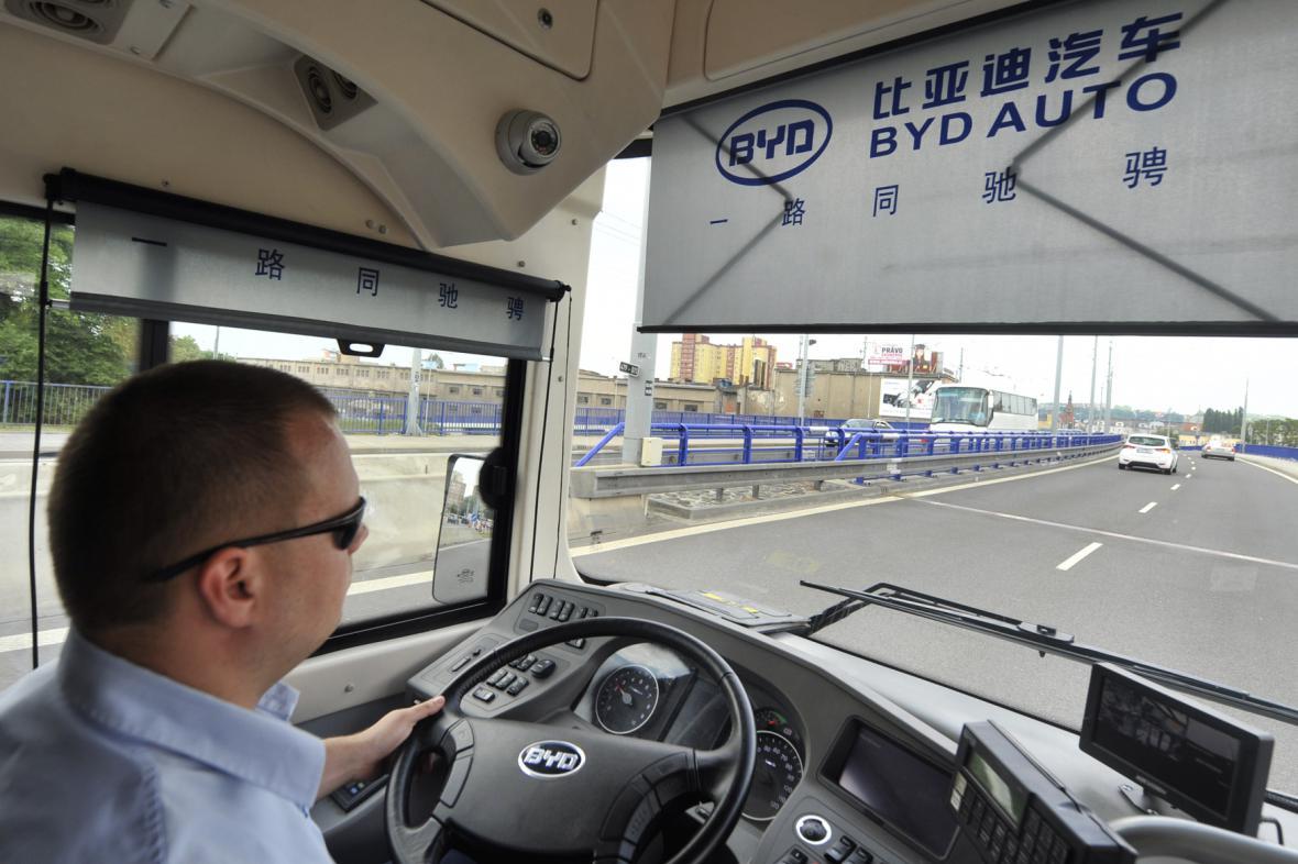V Ostravě jezdí i elektrobus