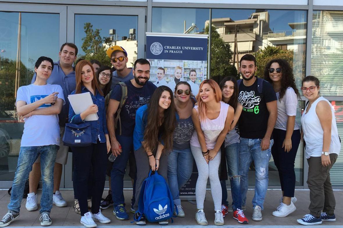 Farmaceutická fakulta UK otevřela na Krétě novou pobočku