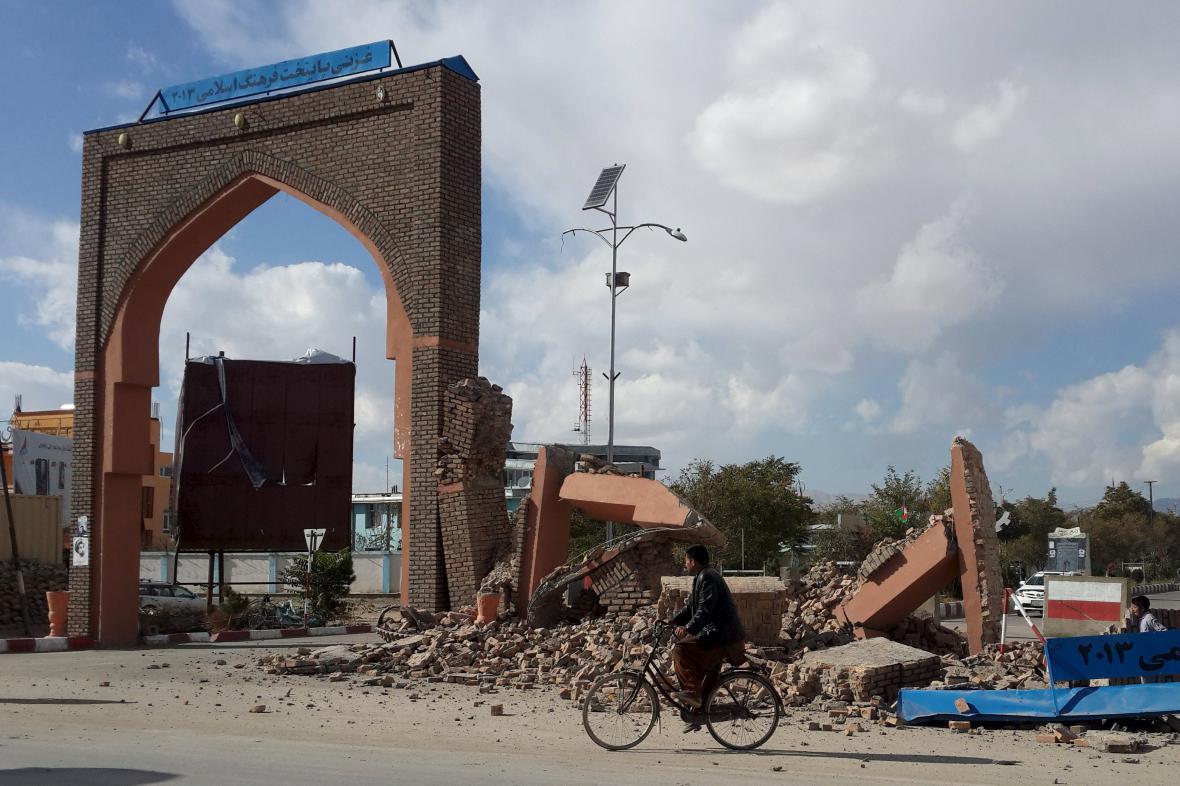 Následky zemětřesení v Afghánistánu