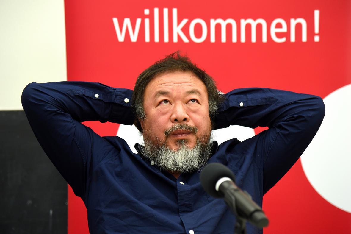 Aj Wej-wej na tiskové konferenci v Berlíně