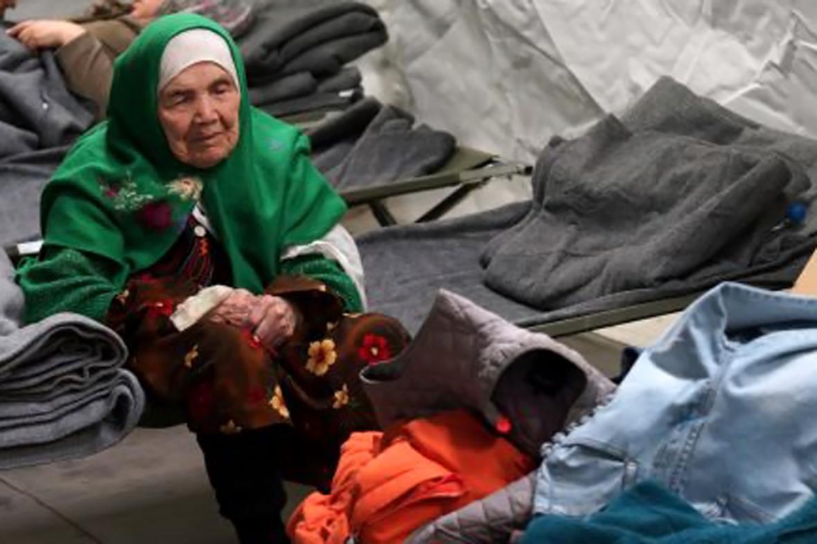 Bibihal Uzbakíová - 105letá uprchlice z Afghánistánu