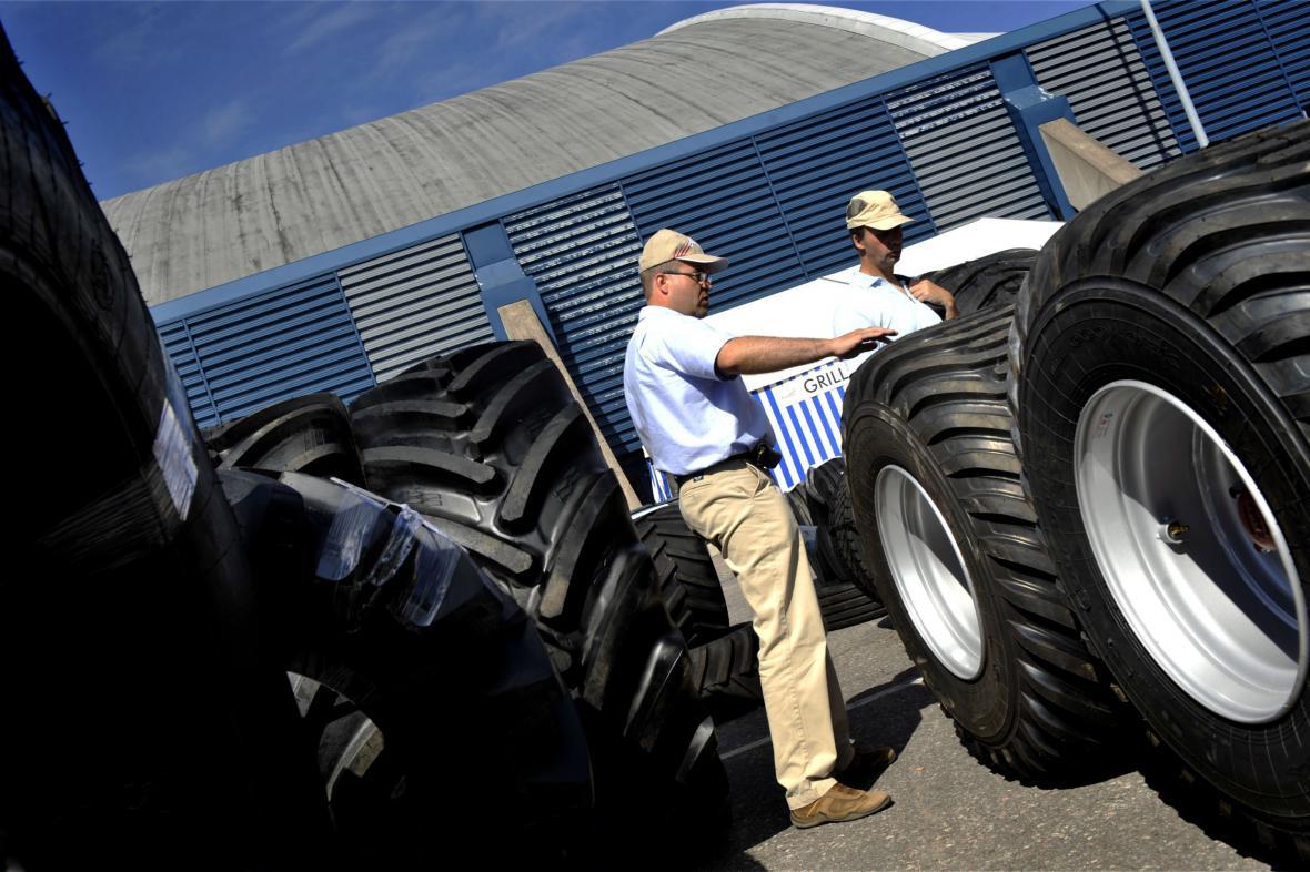Traktorová pneumatika