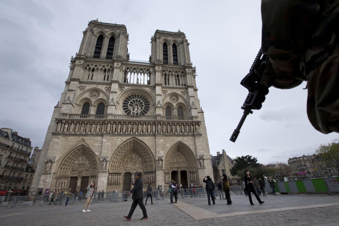 Armáda v Paříži