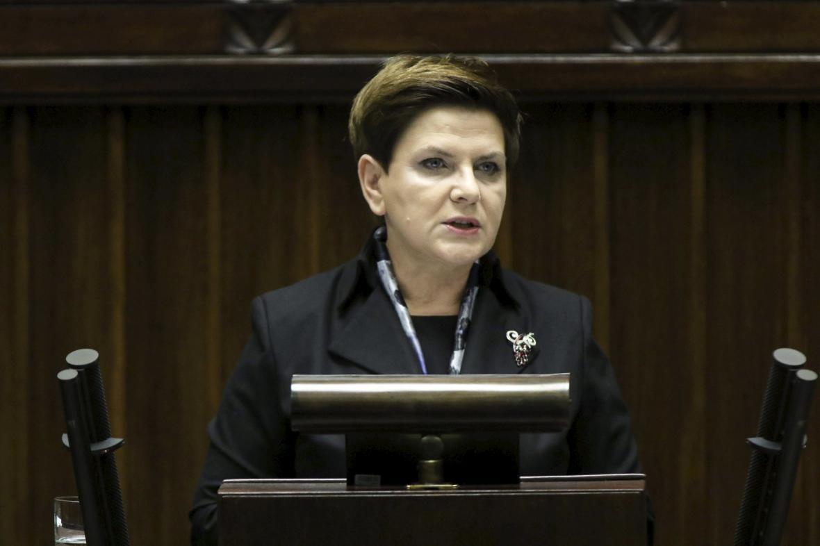 Beata Szydlová při projevu v Sejmu