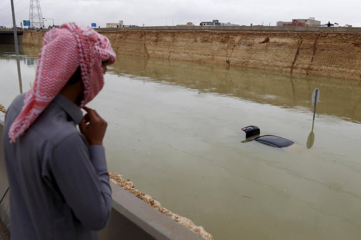 Záplavy po deštích v Rijádu