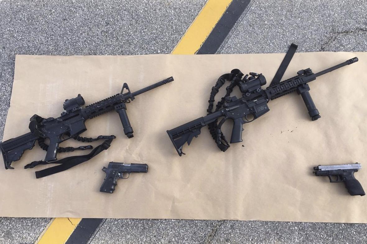 Zbraně zabavené střelcům ze San Bernardina