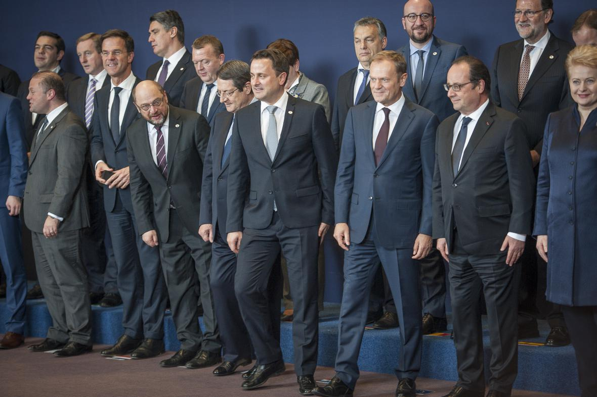 Účastníci prosincového summitu EU