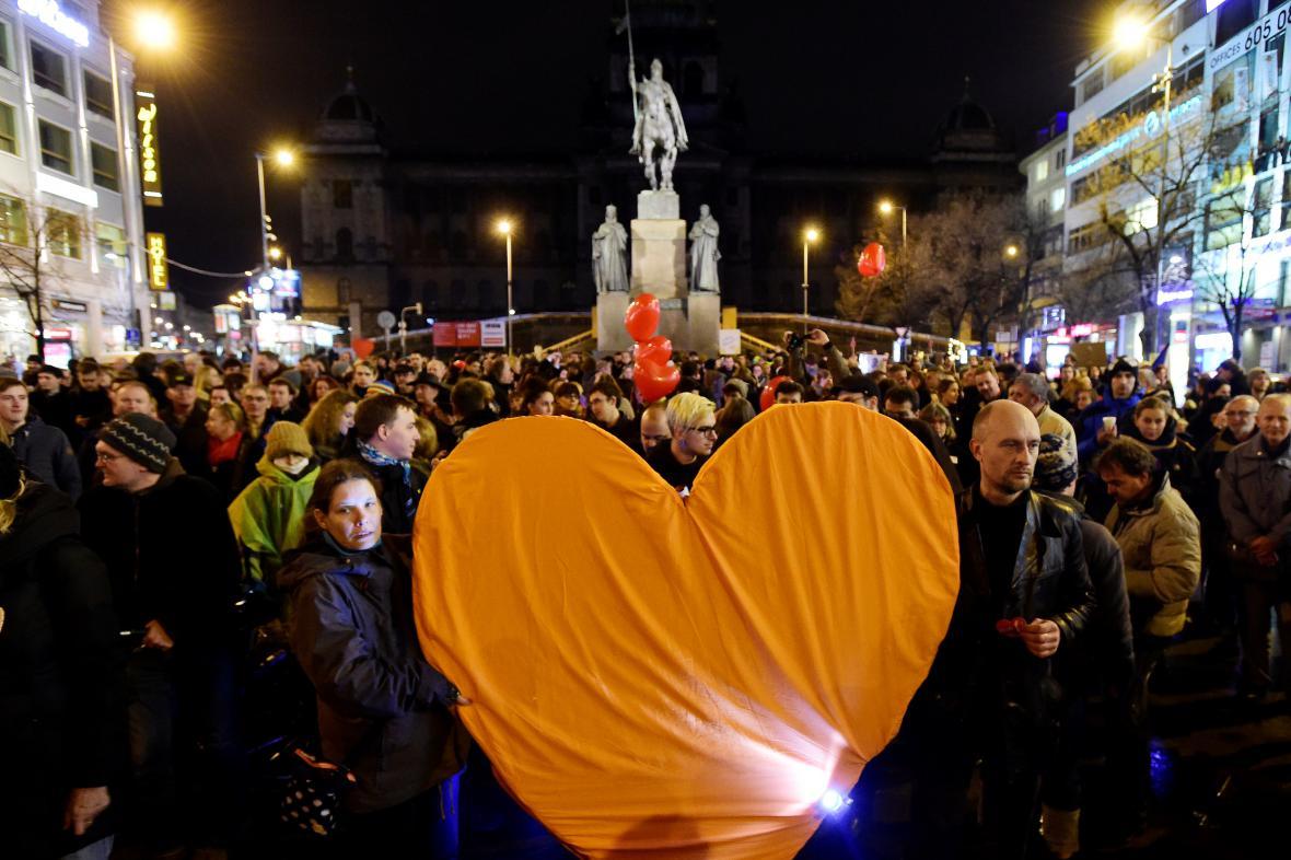Pochod se srdcem Václava Havla