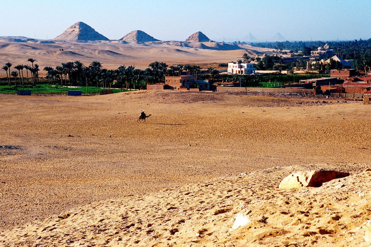 Pyramidové pole v Abúsíru