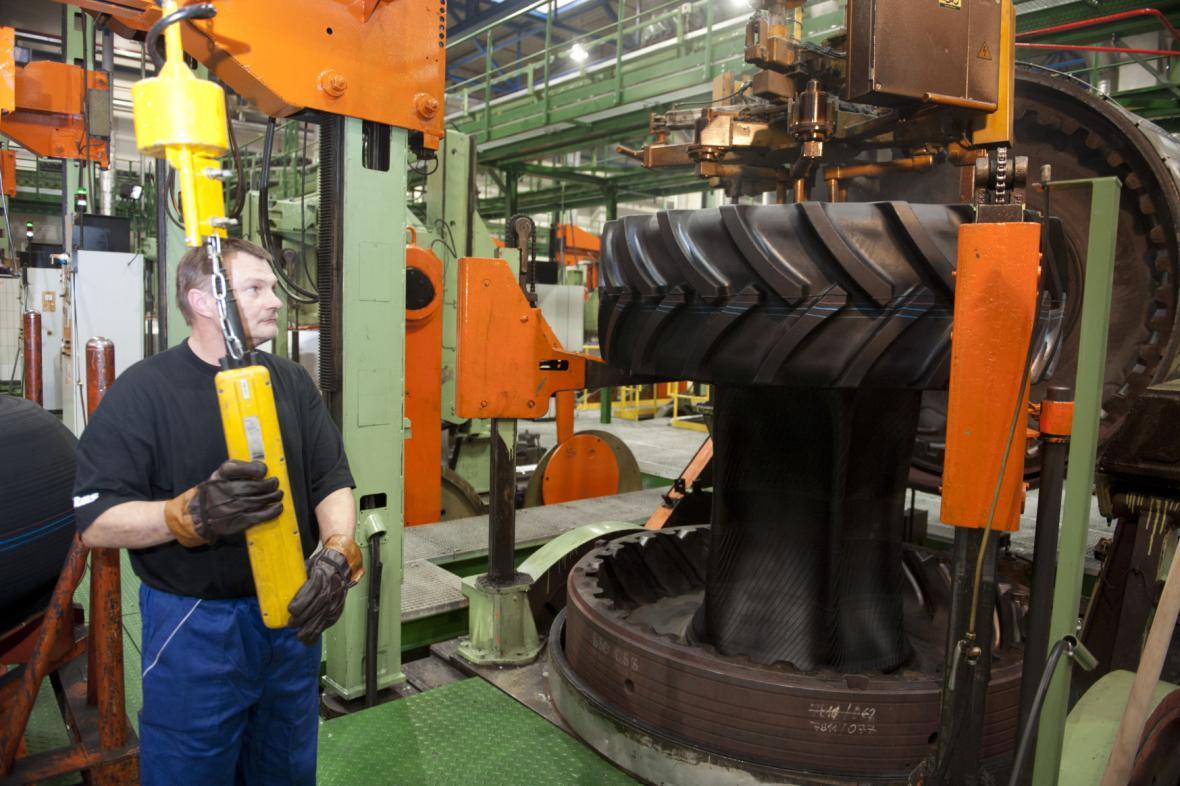 Výroba pneumatik v Mitasu