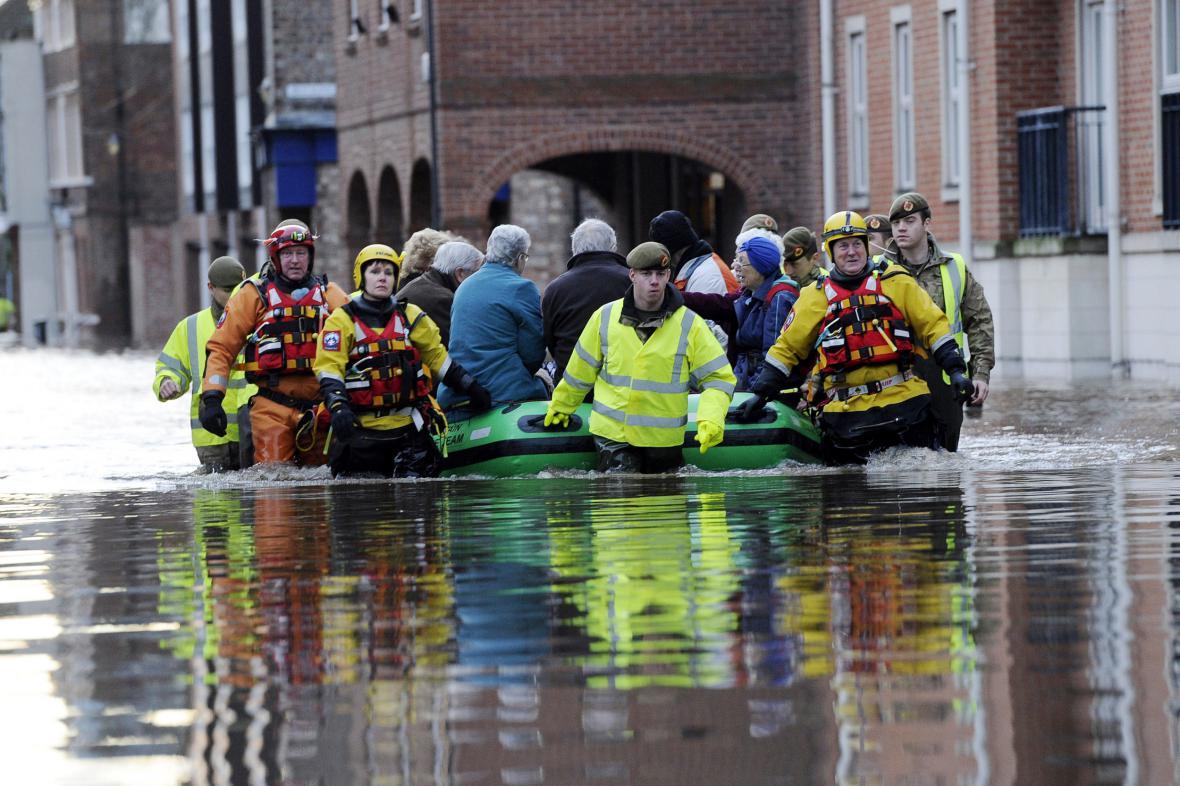 Záplavy ve Spojeném království
