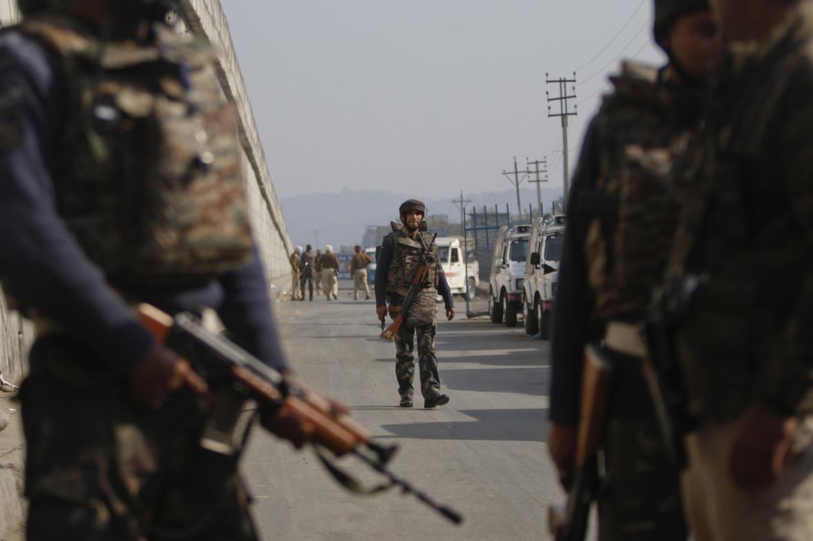 Útok na indickou základnu