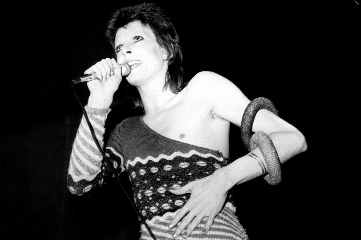David Bowie v roli Ziggyho Stardusta (1973)