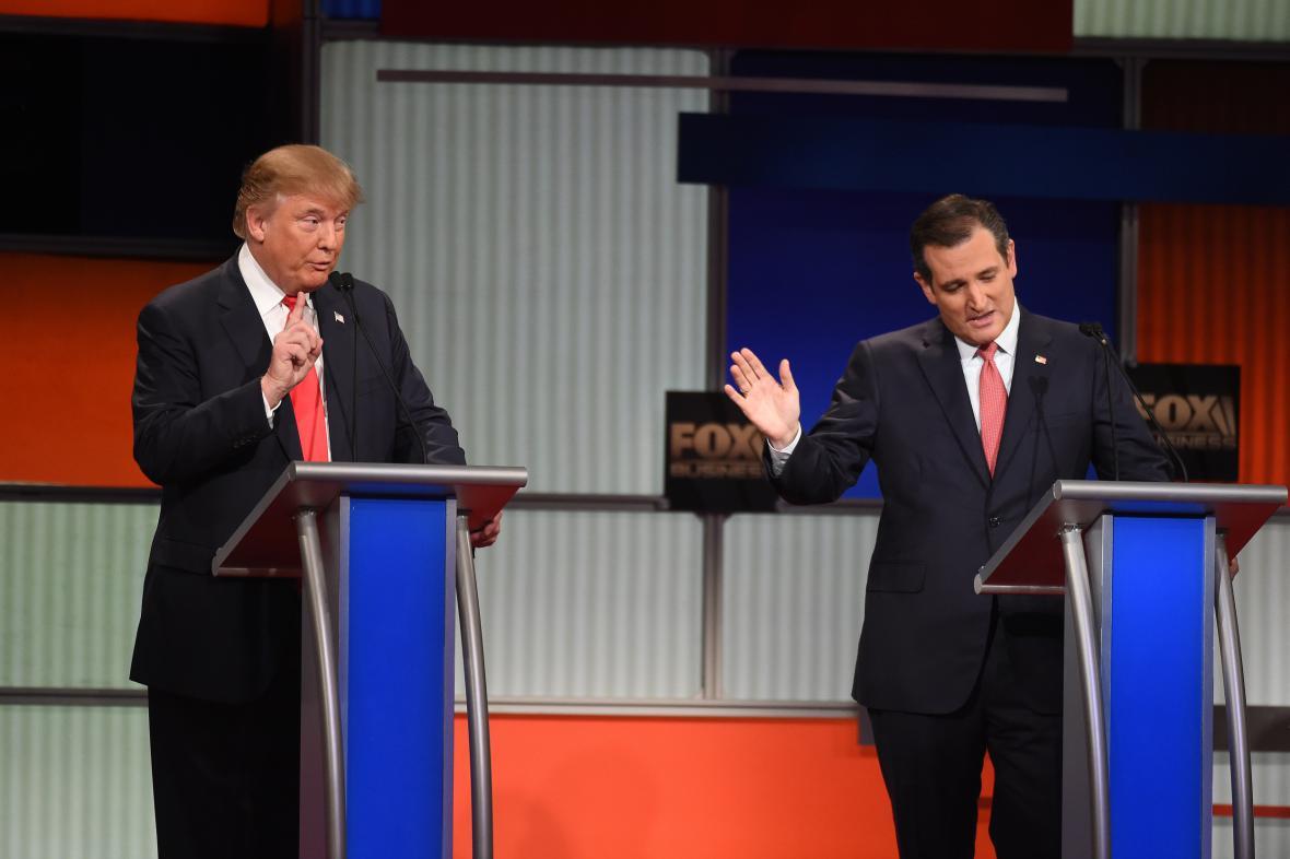Republikánští kandidáti na úřad prezidenta USA: Donald Trump a Ted Cruz
