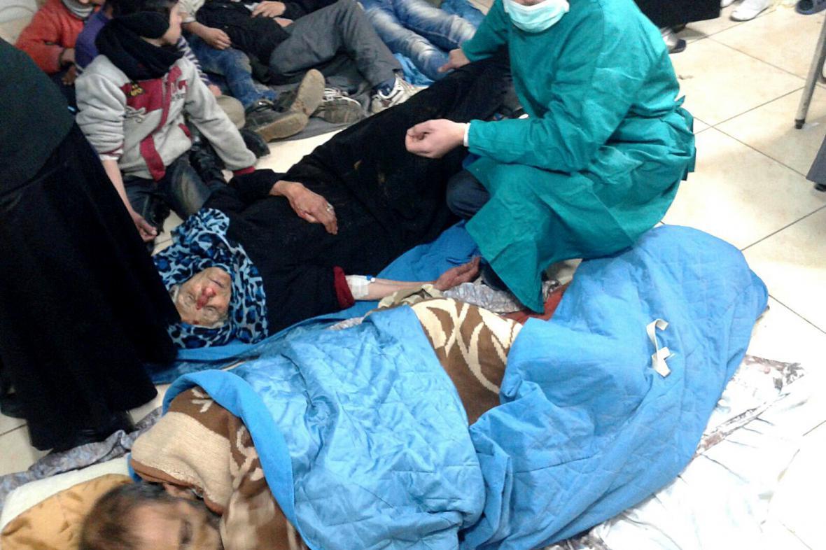 Hladovějící Syřané v Madáji