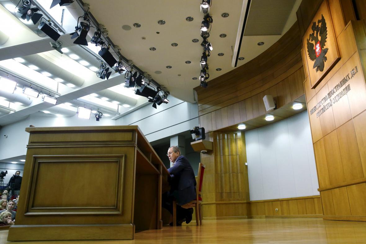 Výroční brífink ruského ministra zahraničí Sergeje Lavrova