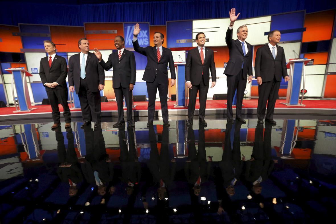 Republikánští kandidáti v poslední televizní debatě před primárkami