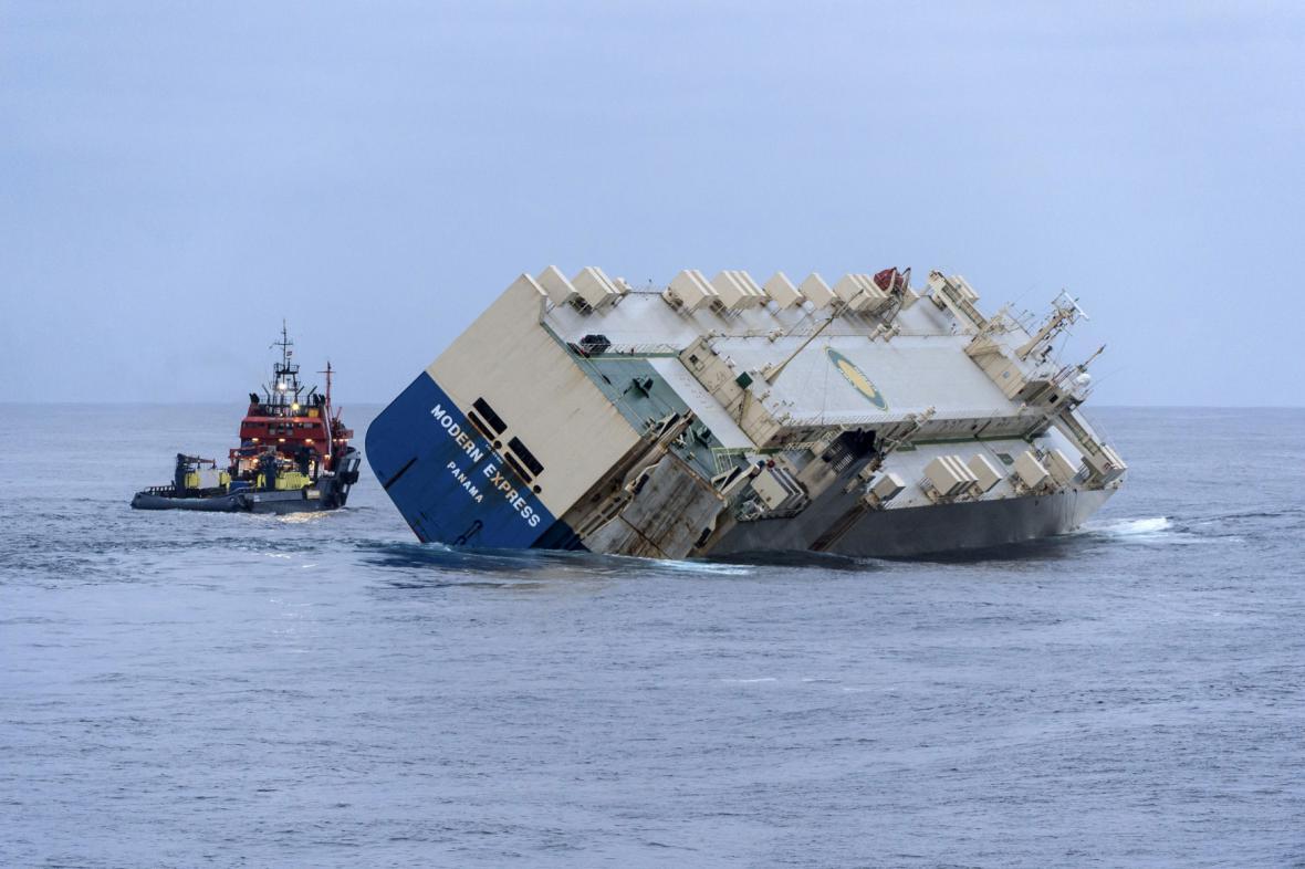 Záchrana lodi Modern Express