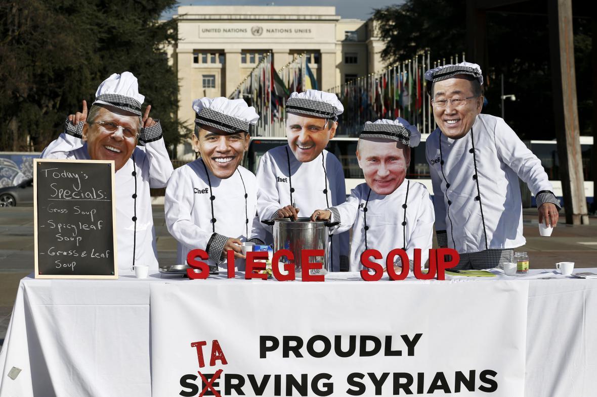 Aktivisté ze sdružení Planet Syria před sídlem OSN v Ženevě