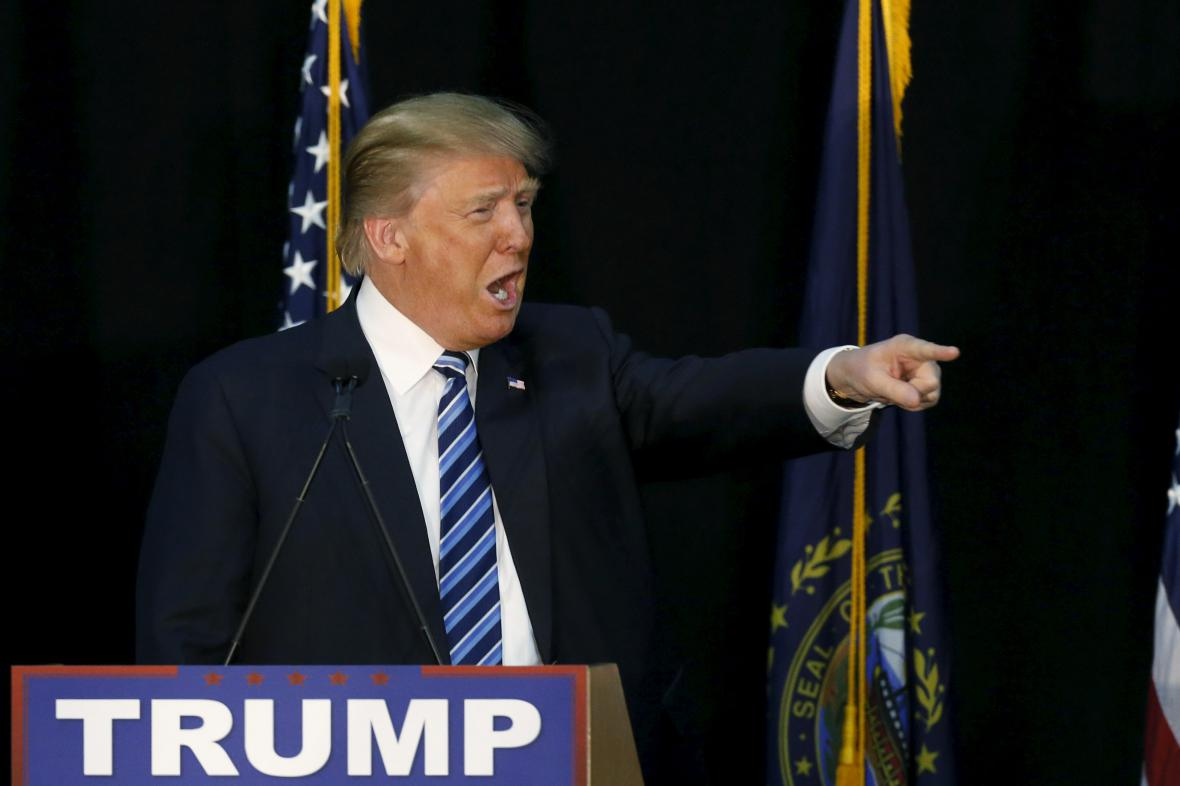 Donald Trump na předvolebním shromáždění v Plymouthu v New Hampshire