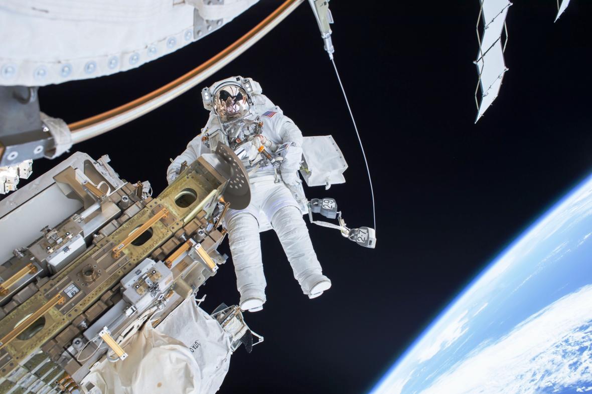 Astronaut Tim Kopra ve vesmíru