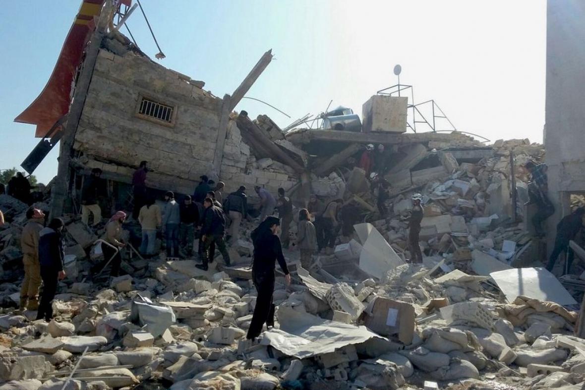 Zničená nemocnice u Idlíbu