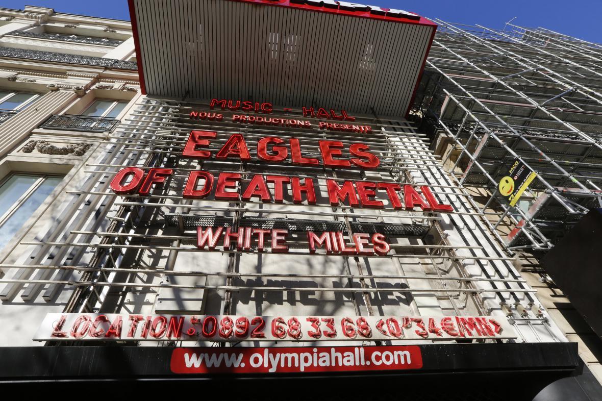 Eagles of Death Metal 'dokončí' v pařížské Olympii koncert z Bataclanu