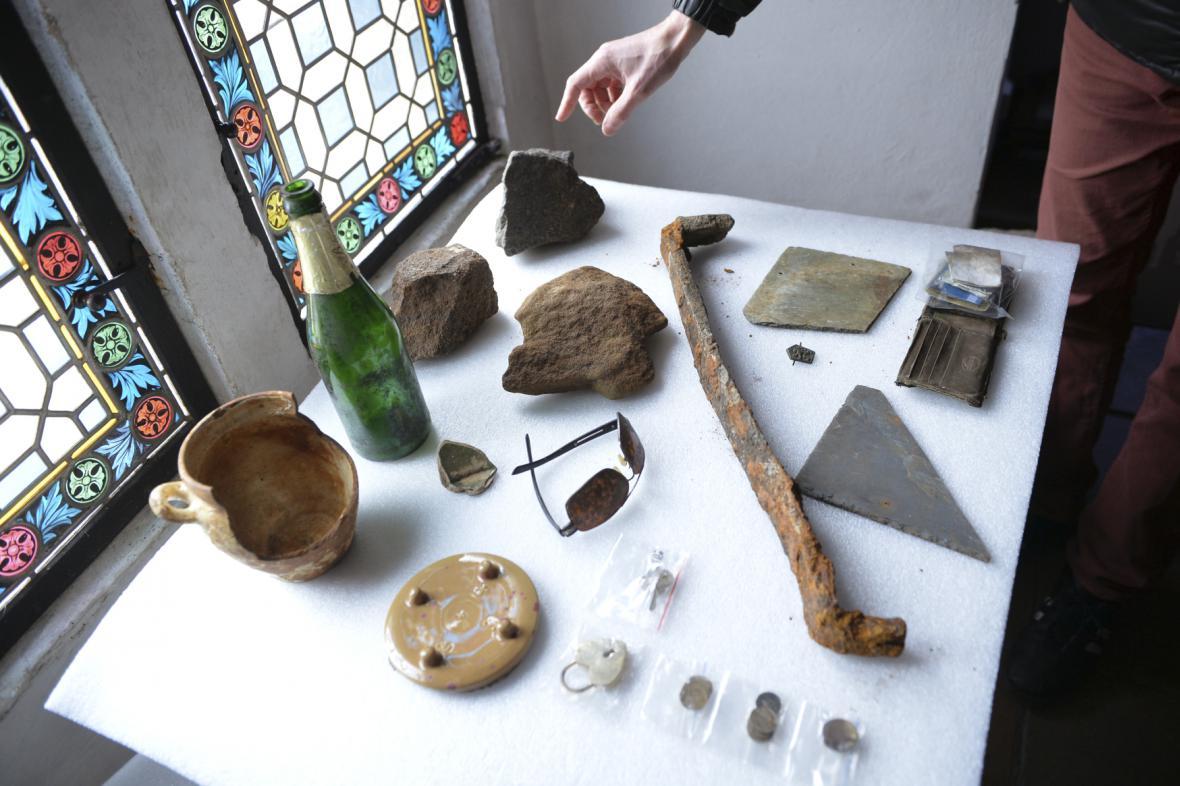 Předměty nalezené ve Vltavě v roce 2014