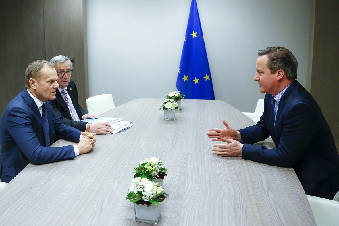 Donald Tusk, Jean-Claude Juncker a David Cameron