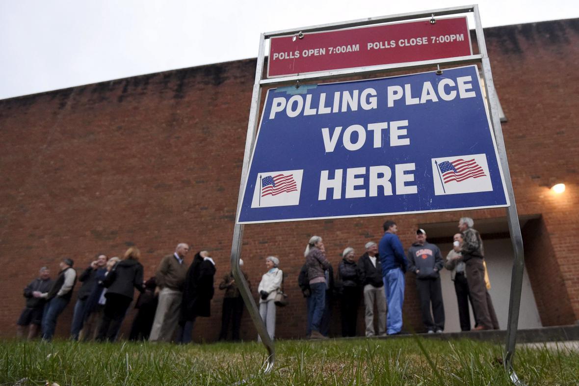 Fronta u volební místnosti v Jižní Karolíně