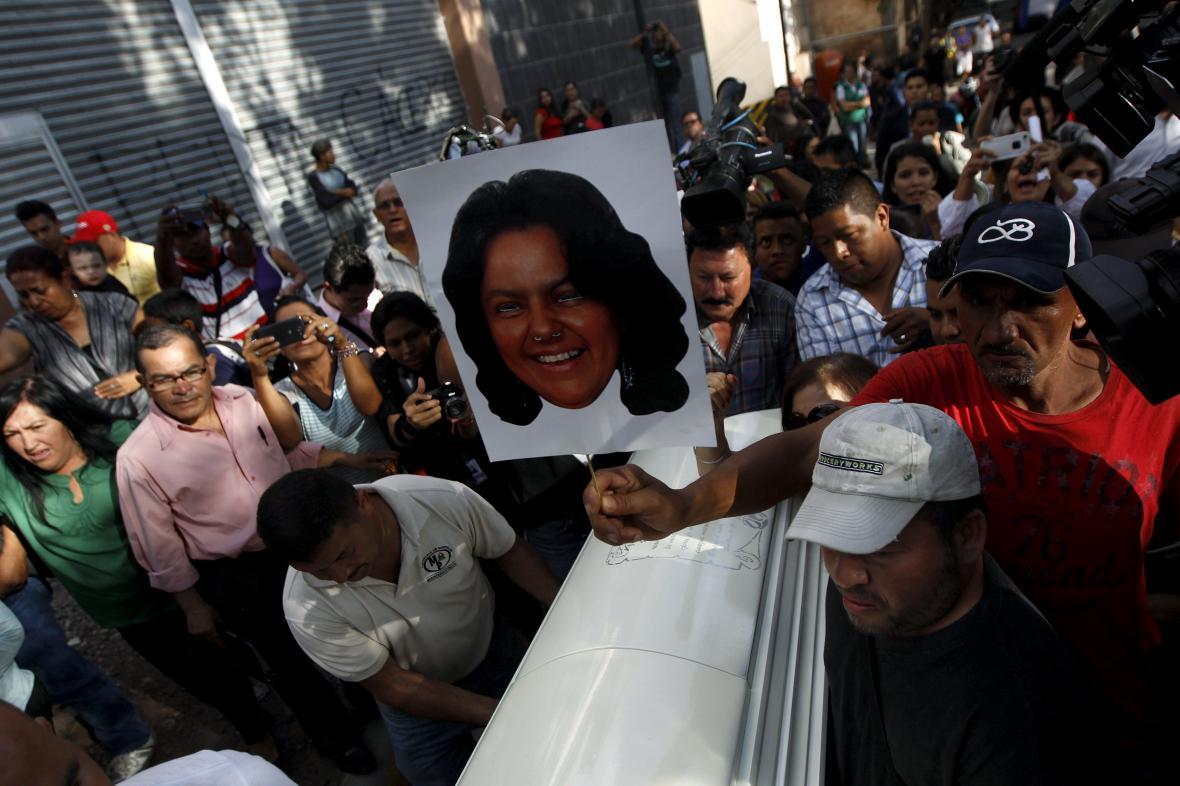 V Hondurasu zavraždili aktivistku Berta Cáceresovou