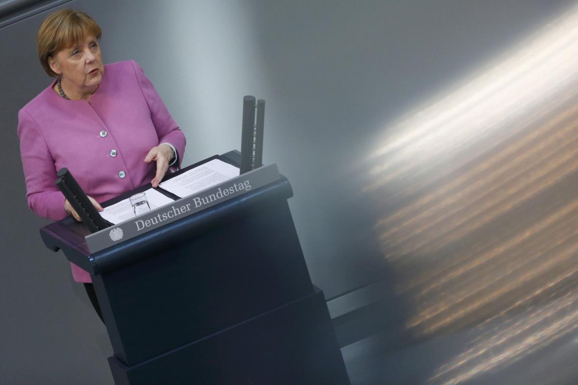 Angela Merkelová při projevu k Bundestagu