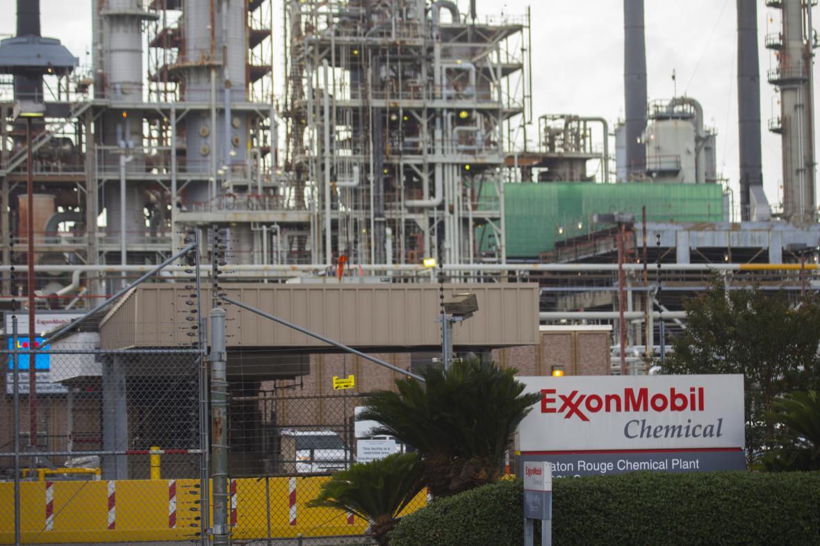 Továrna Exxon Mobil