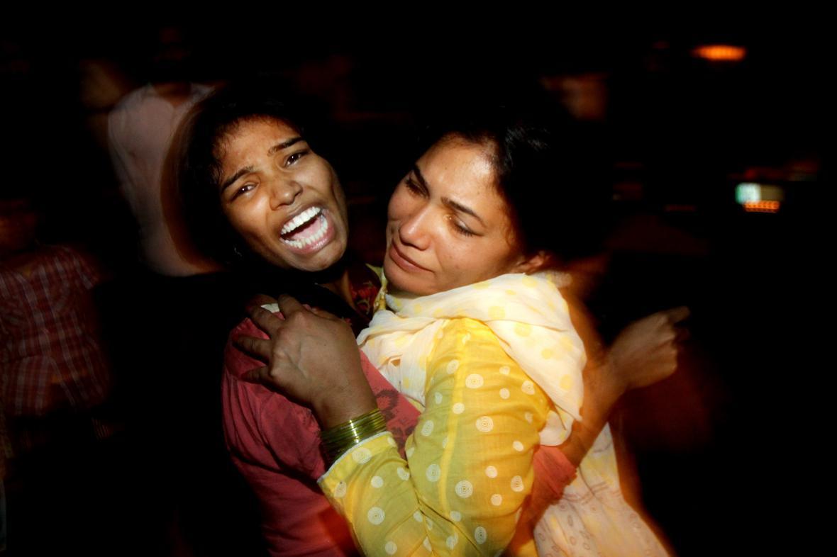 Pozůstalí po obětech útoku v Láhauru