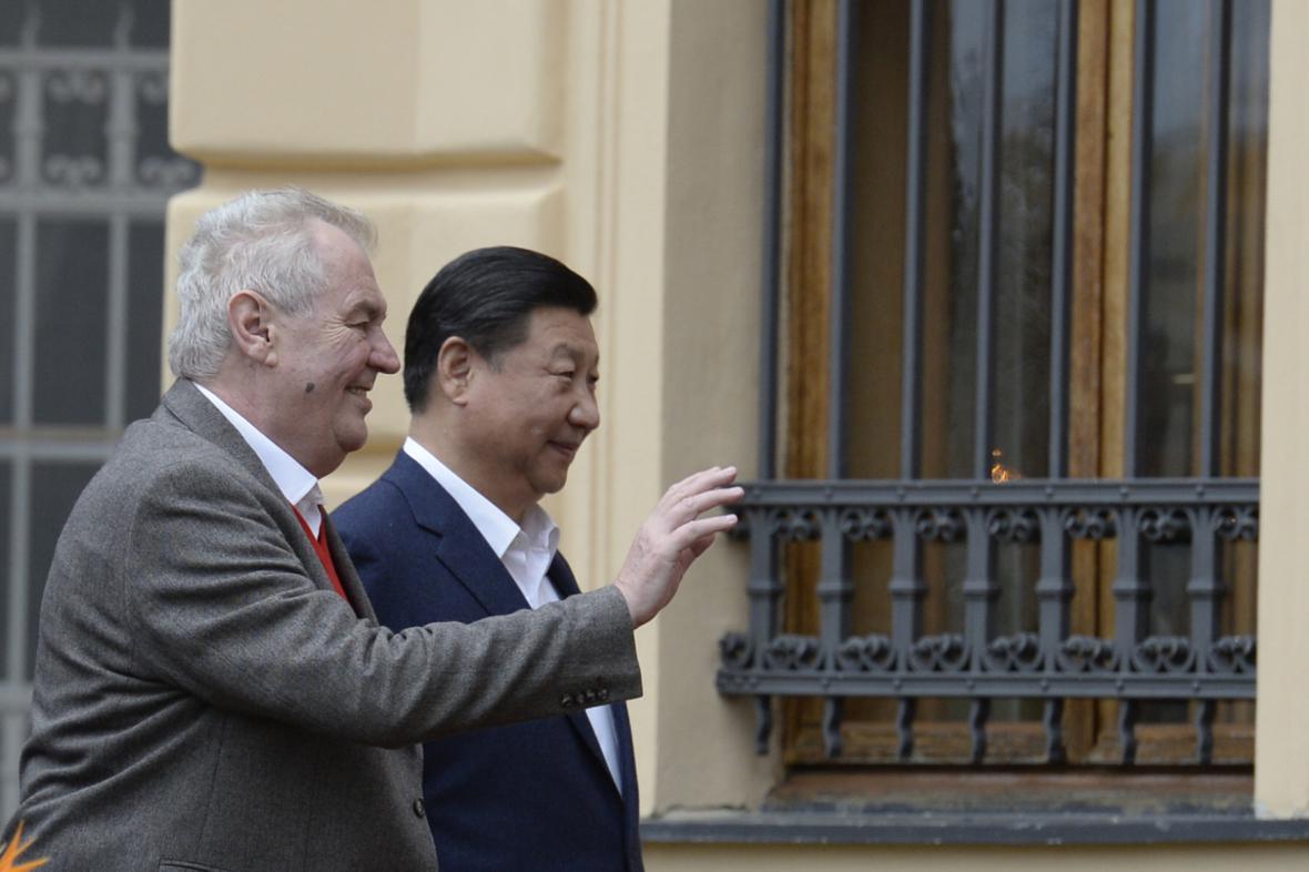 Miloš Zeman se Si Ťin-pchingem v Lánech