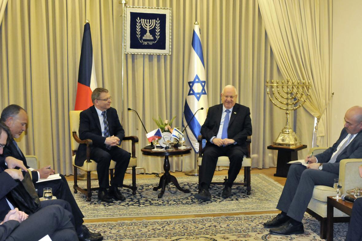 Český ministr zahraničí Lubomír Zaorálek s izraelským prezidentem Reuvenem Rivlinem