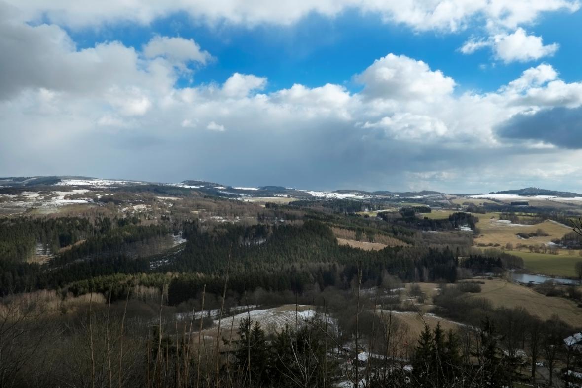 Doupovské hory (pohled z hradu Andělská Hora)