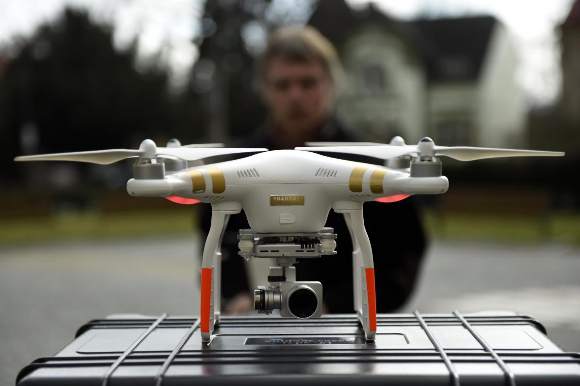 Dron pro sledování dopravy na Pardubicku