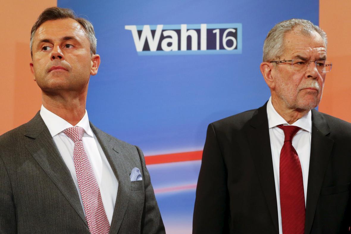 Norbert Hofer a Alexander Van der Bellen během televizní debaty