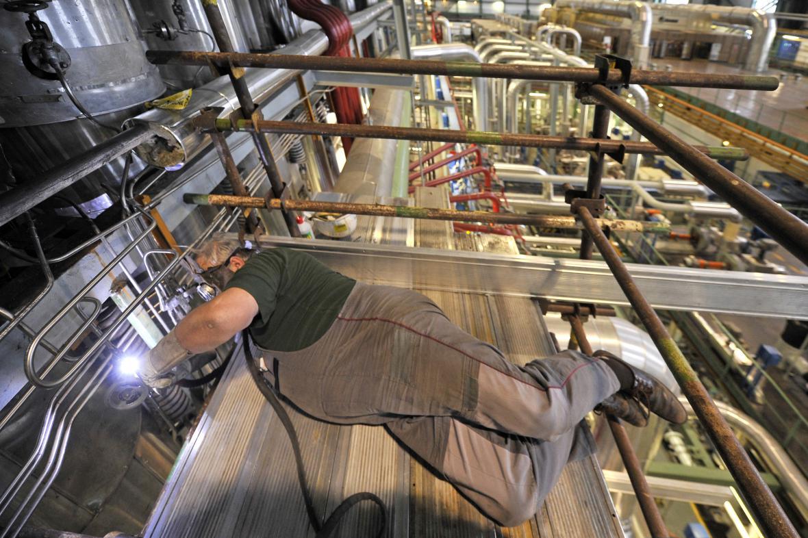 Kontrola a opravy svárů v jaderné elektrárně Dukovany