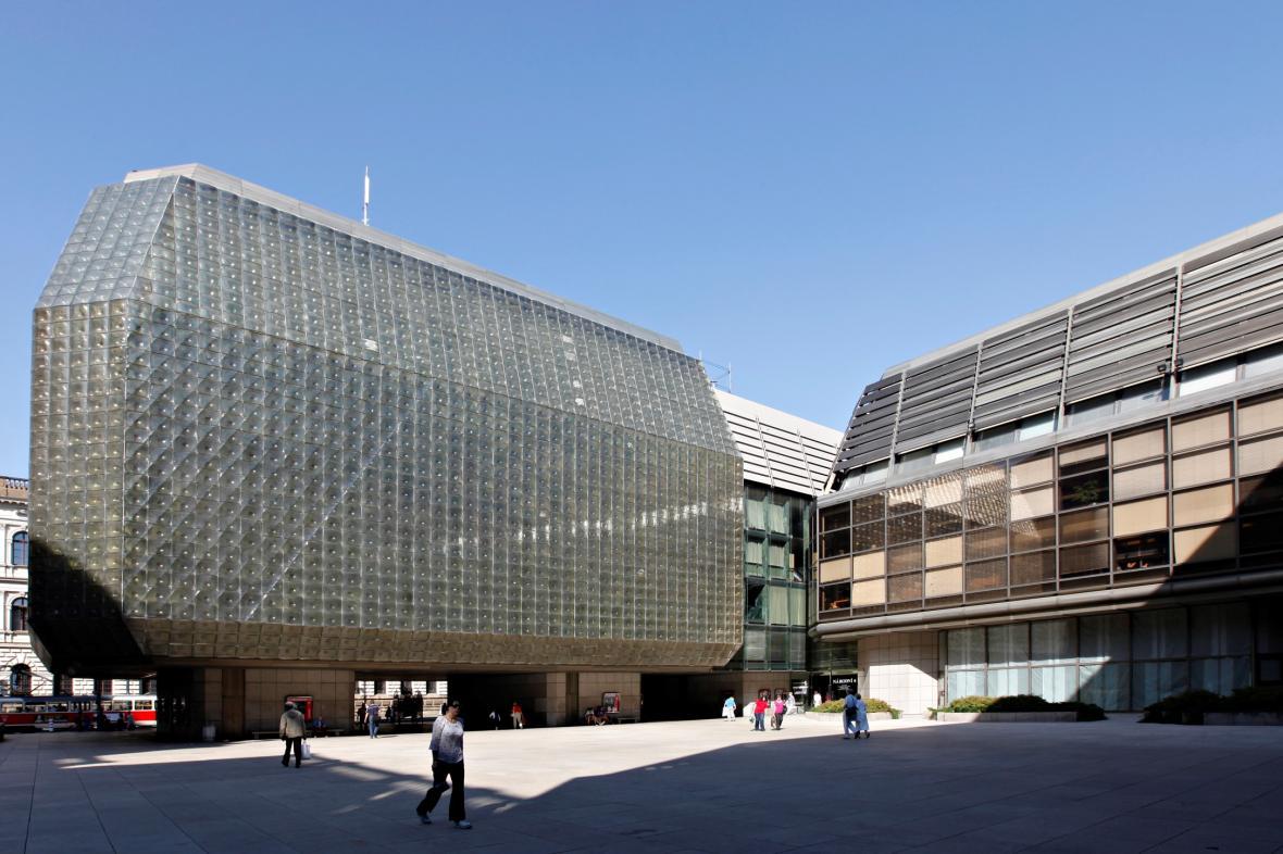 Nová scéna Národního divadla a restaurační budova