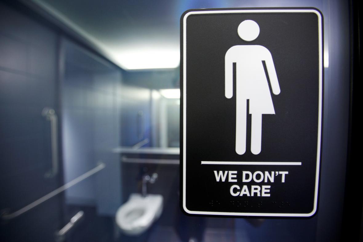 Protest proti zákonu o transgender lidech