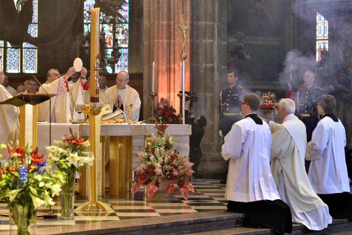 Mše k 700. výročí narození Karla IV. v katedrále svatého Víta