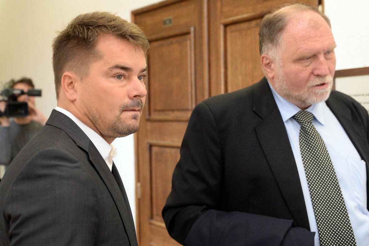 Marek Dalík se svým advokátem Tomášem Sokolem